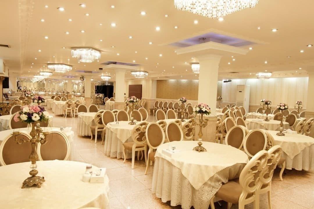 بازگشایی تالارهای پذیرایی از هفته آینده به شرط موافقت استانداری