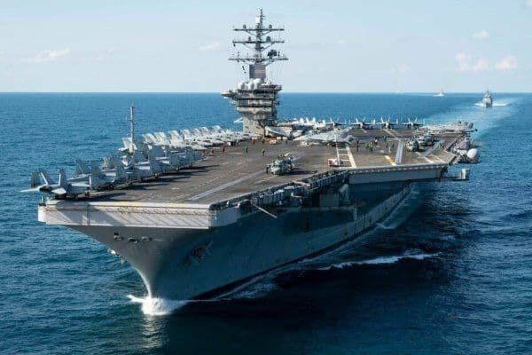 """ناو هواپیمابر """"یواساس"""" نیمیتز در آبهای خلیج فارس میماند"""