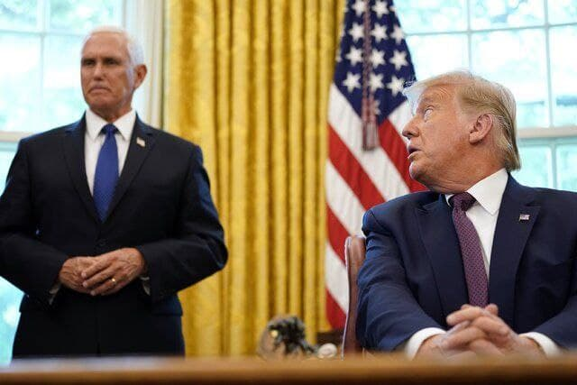 دست رد پنس به سینه ترامپ
