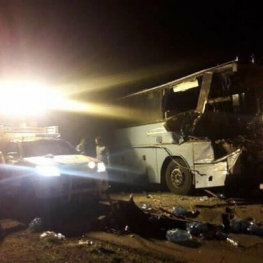 تصادف اتوبوس با تریلی در محور دامغان-سمنان