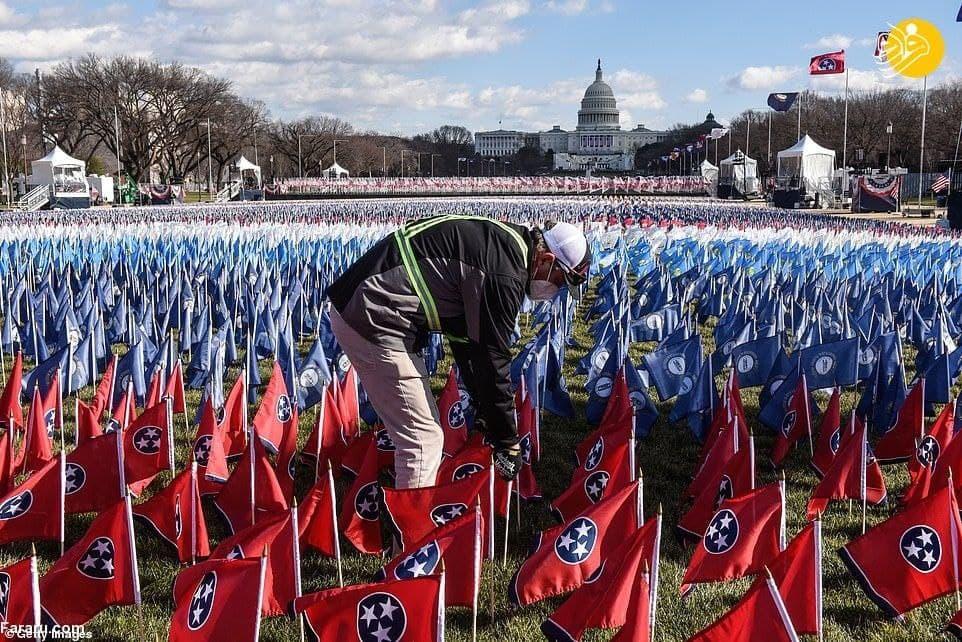 پرچم به جای افراد در مراسم تحلیف بایدن