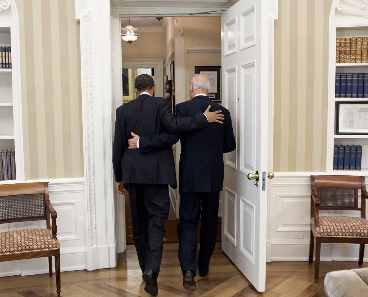 باراک اوباما با انتشار این تصویر، آغاز ریاست جمهوری بایدن را به او تبریک گفت