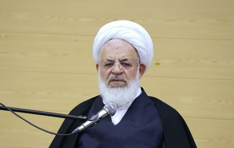 دلیل تحریمها از نظر امام جمعه یزد: سرگرم بودن مردم به مسائل اقتصادی