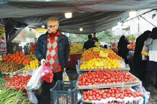 کاهش ۸۰ درصدی خرید میوه در اهواز