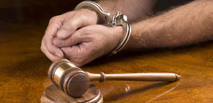 بخشدار مرکزی شیراز بازداشت شد