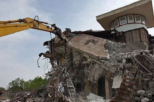 ویلای شهردار تخریب شد