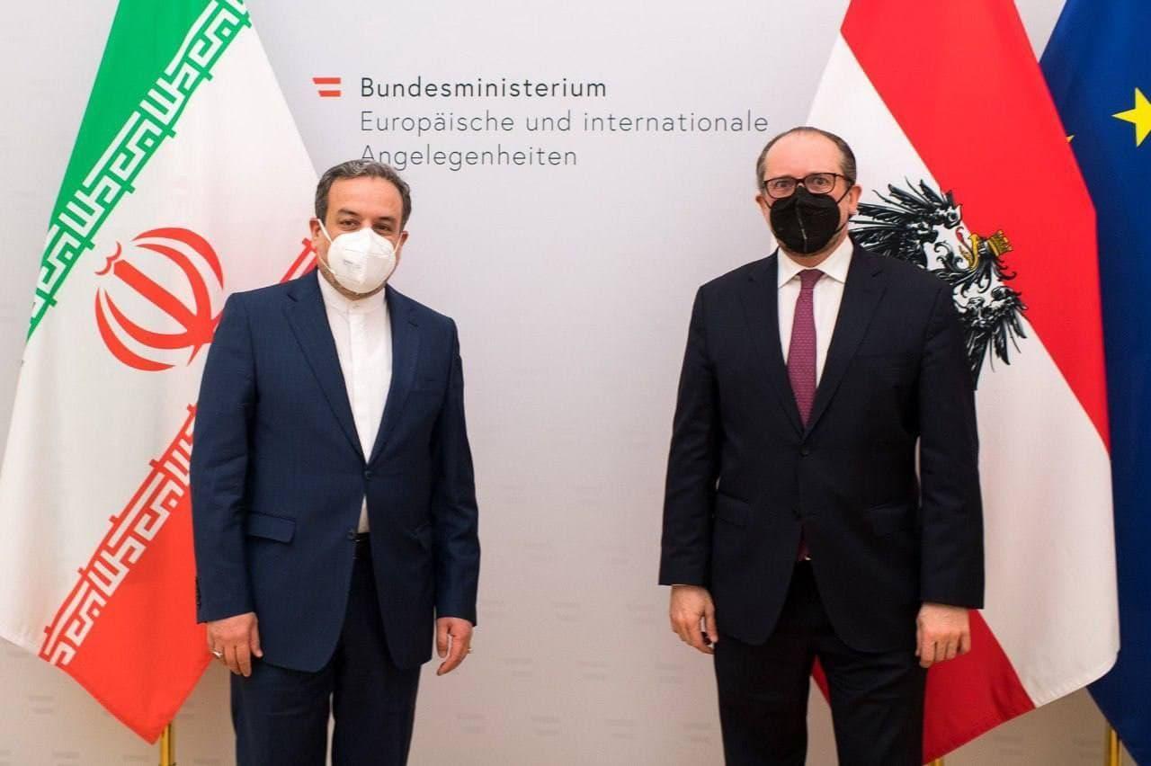 ملاقات عراقچی با وزیر خارجه اتریش / تاکید معاون سیاسی وزیر خارجه ایران بر لزوم رفع کامل تحریم ها