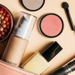 بازداشت مدیر شرکت آمریکایی متهم به تجارت ۳۵۰ هزار دلاری لوازم آرایش با ایران
