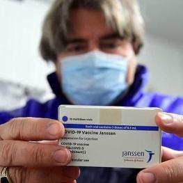 استفاده از واکسن «جانسون اند جانسون» در آمریکا متوقف شد