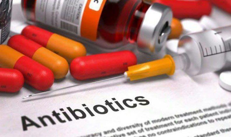 مصرف خودسرانه آنتیبیوتیکها خطر ابتلا به کرونا را افزایش میدهد