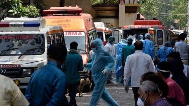 نظام بهداشتی هند در حال فروپاشی/ ٣۴۶ هزار ابتلای جدید به کرونا در ٢۴ ساعت!