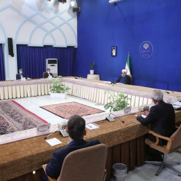 رئیس جمهور در دیدار جمعی از فعالان اقتصادی