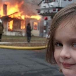 دختری که میم شده بود NFT عکسش را نیم میلیون دلار فروخت!