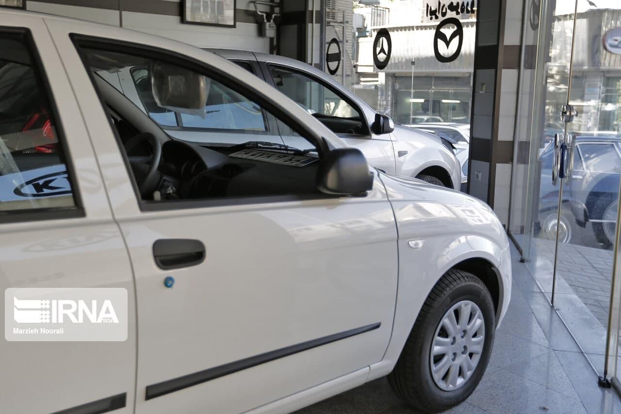 افت نرخ ارز رکود بازار خودرو را عمیقتر کرد