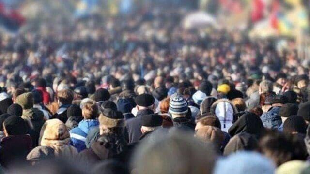 هشدار یک استاد دانشگاه تهران: رشد جمعیت ایران از سال ۱۴۲۵ منفی می شود