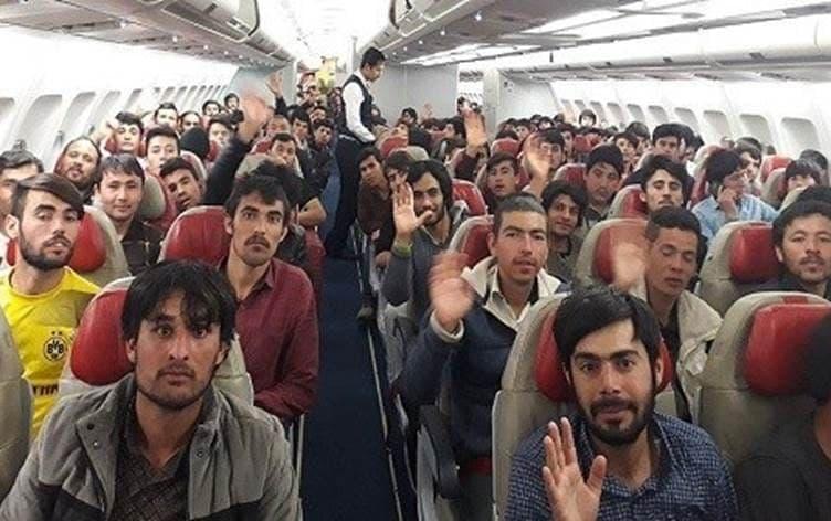 چرا مهاجران ایران را ترک میکنند؟
