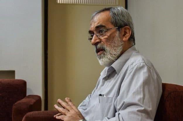 حضور فرمانده قرارگاه ثارالله در منزل احمدی نژاد و اعلام خبر ردصلاحیت وی
