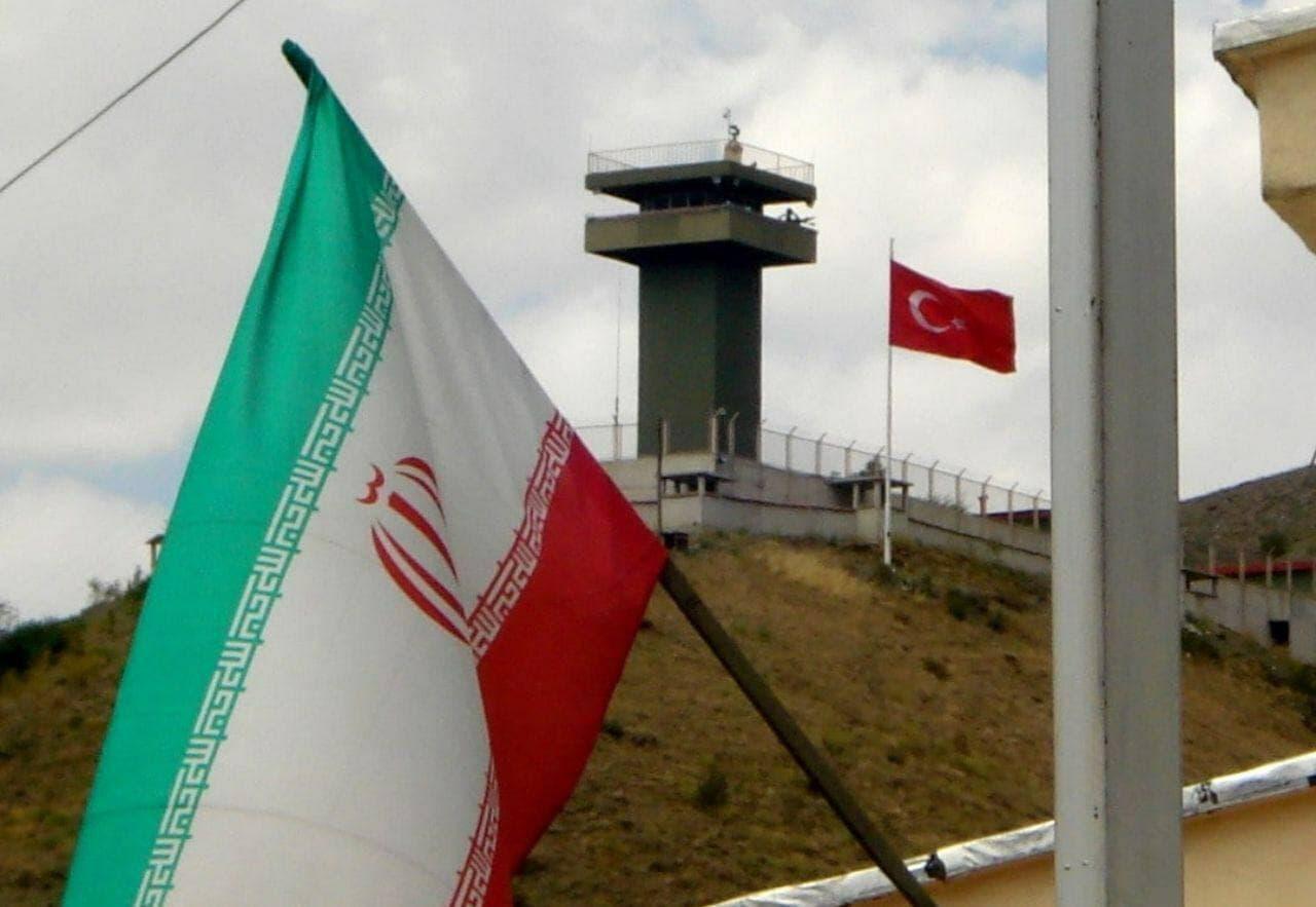 مرزهای ترکیه به روی مسافران بسته است