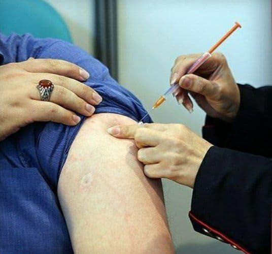 واکسیناسیون اساتید و دانشجویان از مرداد