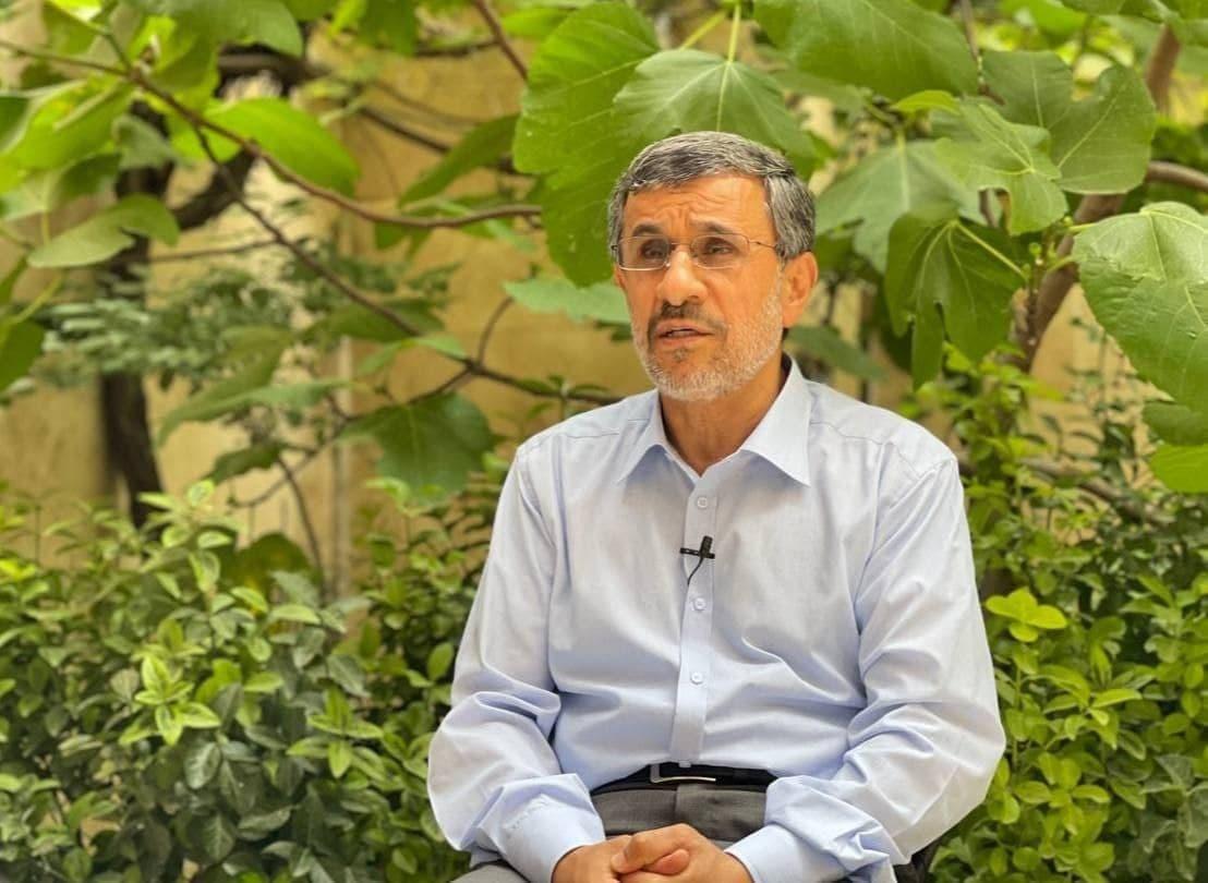 ادعای محمود احمدی نژاد/ با میرحسین موسوی دوست بودم الان هم دوستم
