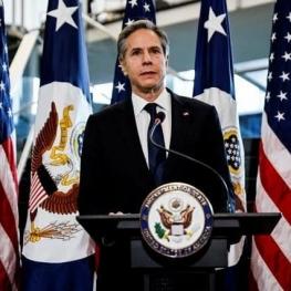 توضیح وزیر خارجه آمریکا درباره لغو تحریم برخی افراد و شرکتهای ایرانی