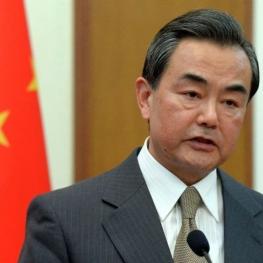 وزیرخارجه چین: برداشتن تحریمهای ایران باید اولین گام آمریکا باشد
