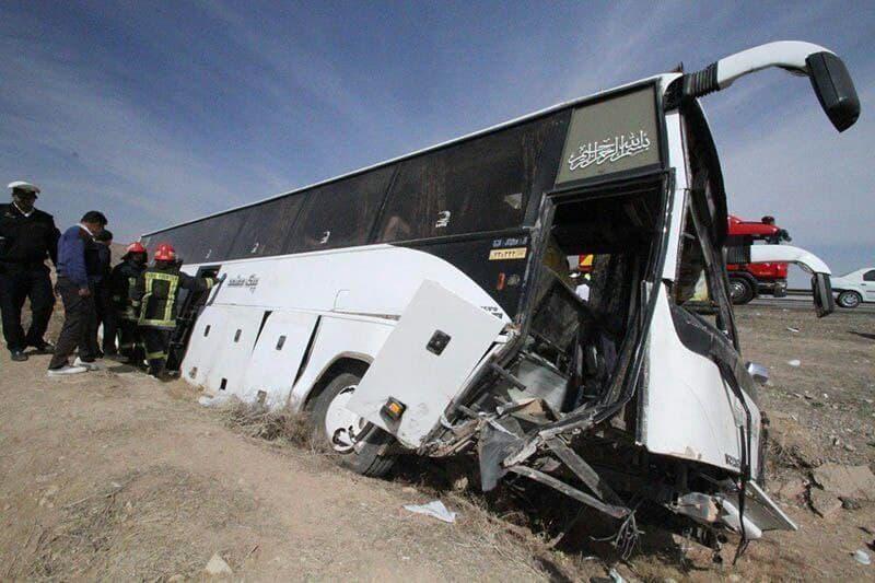 وقوع حادثه برای اتوبوس حامل خبرنگاران