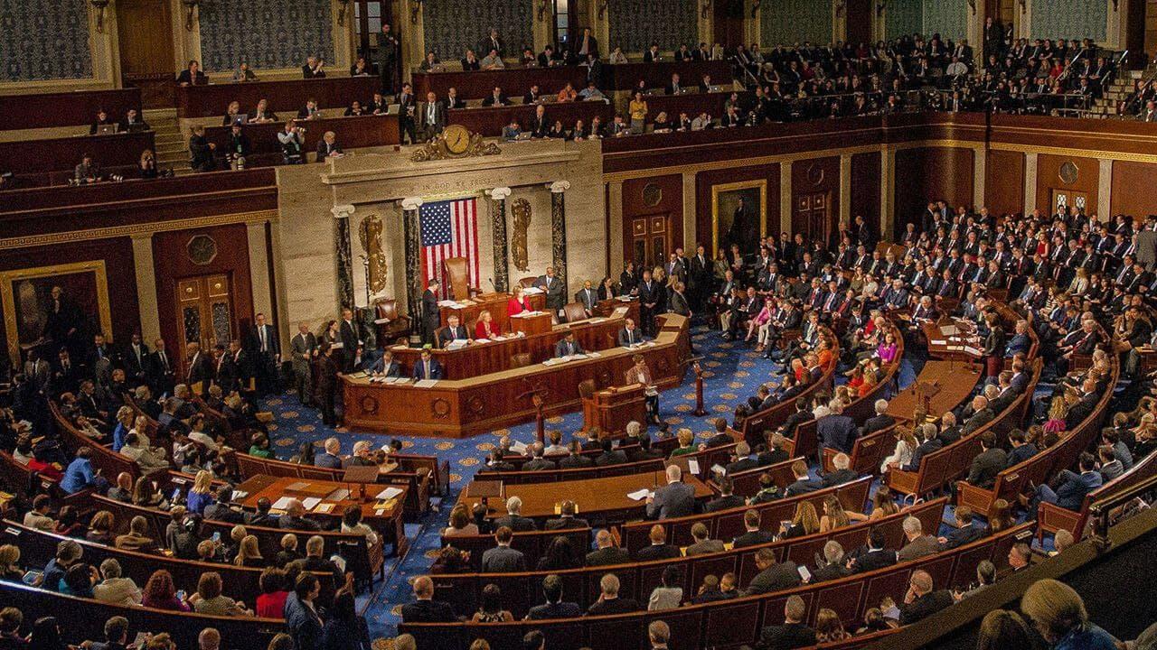 نمایندگان آمریکا دست و بال رئیس جمهور را بستند/ لغو مجوز حمله نظامی از سوی رییس جمهور آمریکا
