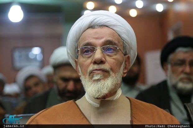 عضو مجلس خبرگان: اول ملت را راضی نگه داریم/ نمی توان در جبهه های مختلف جنگید