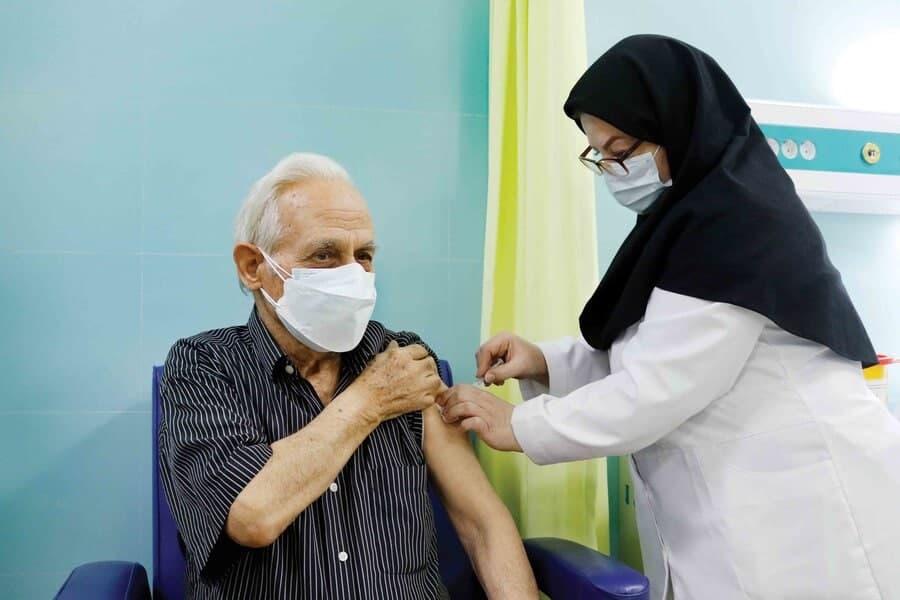 آغاز ثبت نام واکسیناسیون افراد ۶۵ سال به بالا