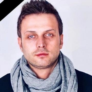امیرعباس محسنی، بازیگر سینما و تلویزیون ساعاتی قبل بر اثر سکته مغزی درگذشت.