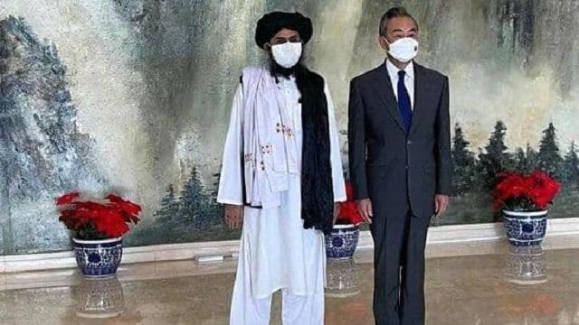 سفر هیئتی از رهبران طالبان به چین؛ پکن: طالبان تصویر مثبت ایجاد کنند