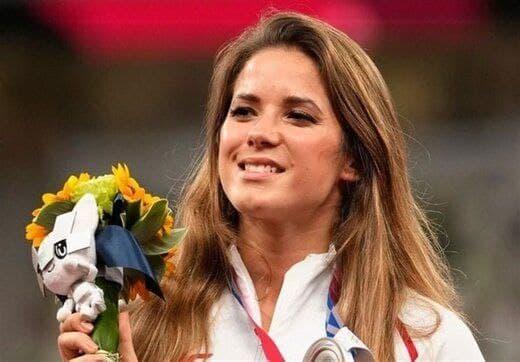 مزایده مدال نقره المپیک زن لهستانی برای جراحی فرزندش