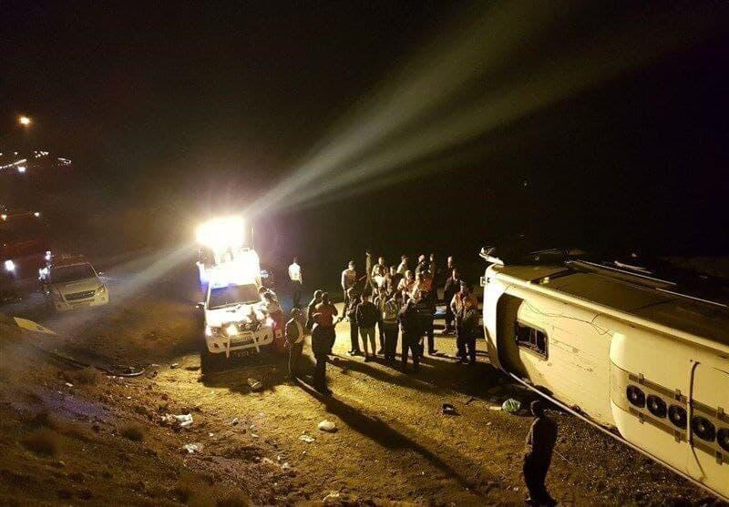 ۱۷ مصدوم واژگونی اتوبوس در دامغان به سمنان اعزام شدند
