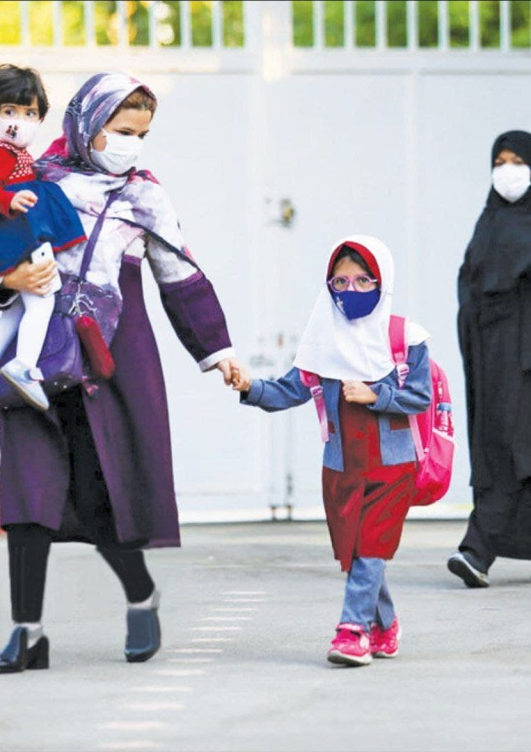 آموزش و پرورش: ممنوعیتی برای دریافت کارنامه فرزندان از سوی مادران نیست