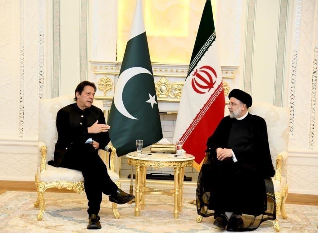 نشست دوجانبه سران ایران و پاکستان در حاشیه اجلاس شانگهای