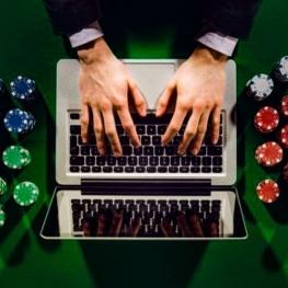 به شرکت کنندگان در بازیهای سایتهای قمار پیامک اخطار ارسال میشود