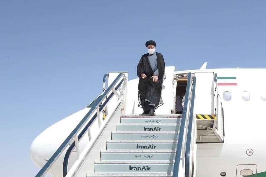 رئیس جمهور وارد بوشهر شد.